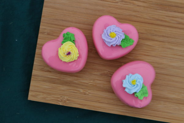 PINK HEART PETIT FOURS 270