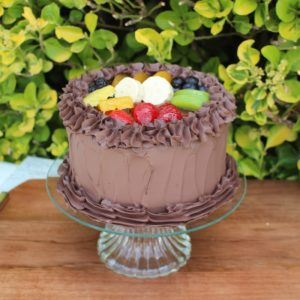 SML CHOCOLATE CAKE WITH FRUIT 323