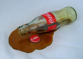 SyqeU UXGoU GkUdc 521 SPILLED COKE BOTTLE